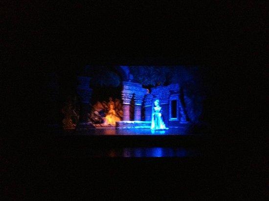 Marionetten Theater Schloss Schoenbrunn : Beautiful sets and costumes