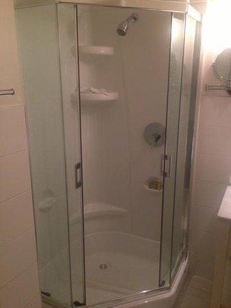 Hotel Rialto: hotel shower