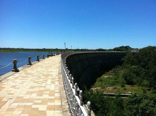Acude Cedro : Barragem