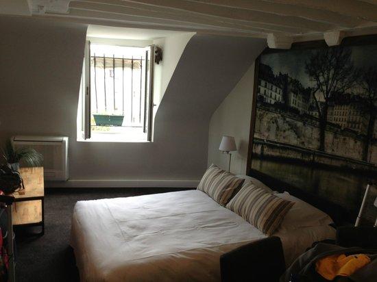 Hotel Excelsior Latin: First bedroom