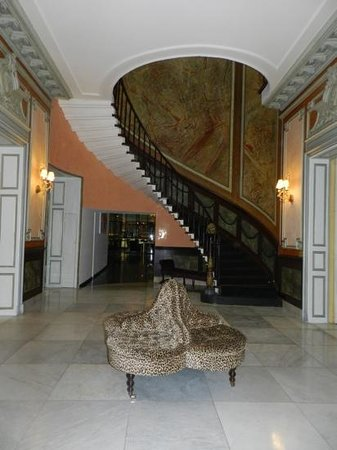 Sandton Grand Hotel Reylof: rather glamorous entrance hall