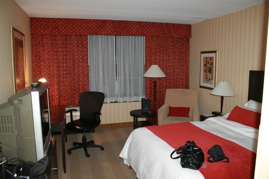 Toronto Airport West Hotel: Standard Room