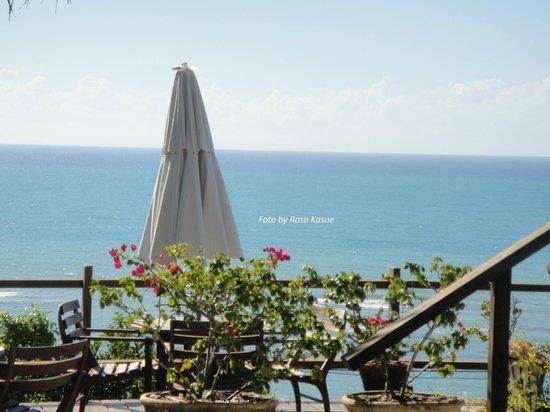 Maitei Hotel : vista do Hotel para o Mar (varanda)