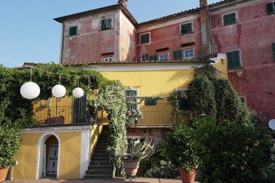 Villa Sermolli, Gartenseite