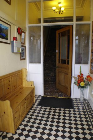 Bron Rhiw Guest House: entrance hall