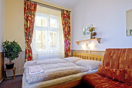 Alice Apartment House : Bedroom in a Double Apartment