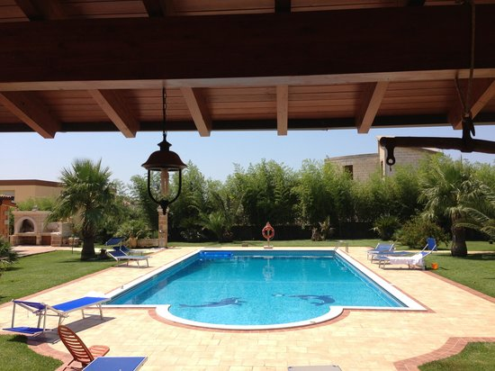 Villa Padula - Exclusive Rooms: Poolside