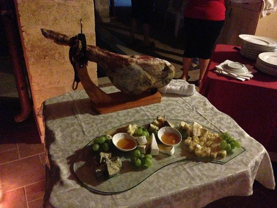 Villa Padula - Exclusive Rooms: The feast begins...