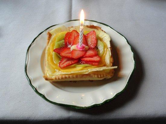 هوتل فيتشيو أسيلو: Torta per il mio compleanno