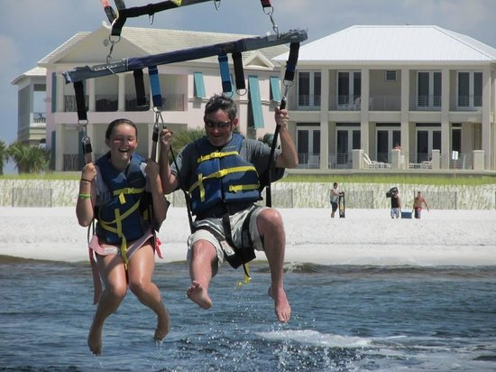 Harbor Watersports: Parasailing