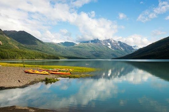Inlet Tower  Hotel & Suites: Eklutna Lake, a wonderful part very close to Anchorage.