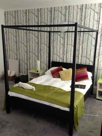 Grey's Hotel: Room seven