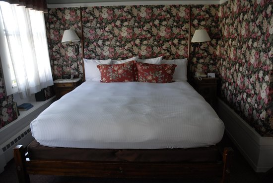 White Swan Inn: King size bed
