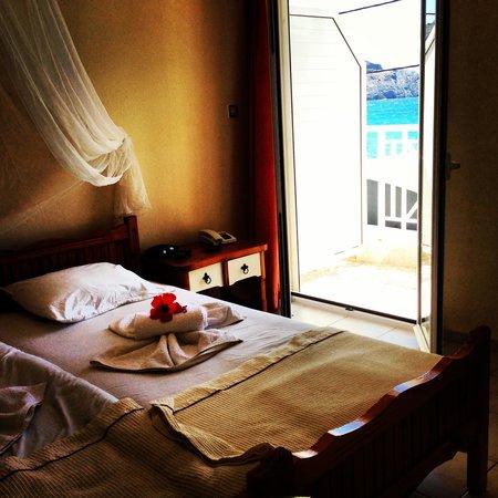 Lamon Hotel: Stunning turquoise water