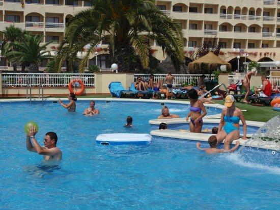 Evenia Olympic Palace : piscine