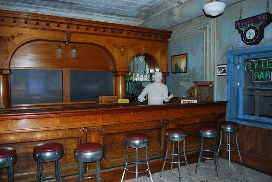 Altoona Railroaders Memorial Museum: A recreation of an old bar