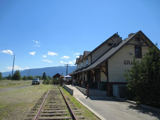 Grand Forks Station Pub : Still a bit of track out back
