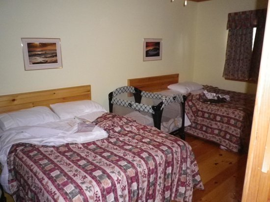 Fairways Cottages : Bedroom, really big room.