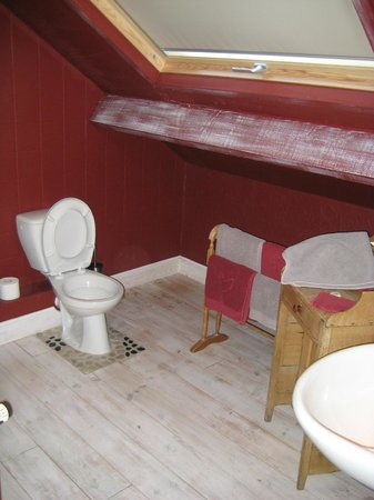 Grote badkamer met stortdouche - Picture of Comme a la Ferme ...