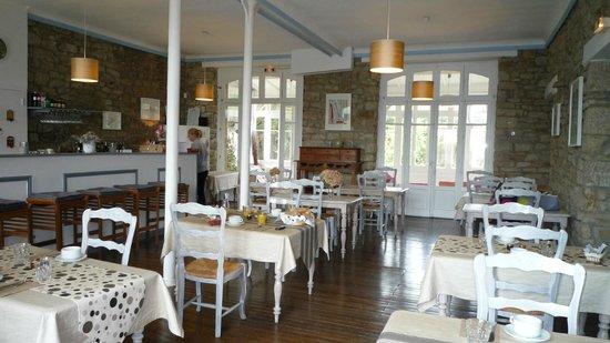 Hotel des Deux Mers: breakfast room