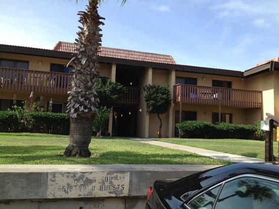 Tiki Vacation Condominiums: Outside of condo