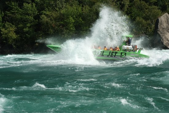 Whirlpool Jet Boat Tours: Getting Wet!