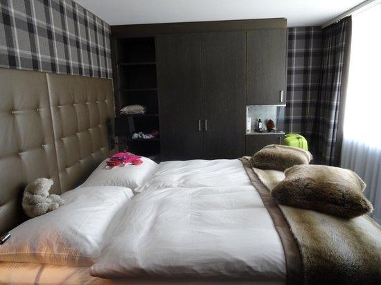 Schlafzimmer / Kinderzimmer - Bild von Grischa - DAS Hotel ...