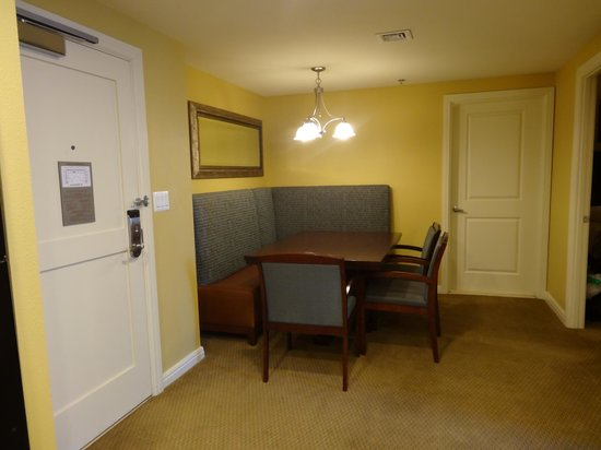 Wyndham Vacation Resorts At National Harbor: Cute dining nook