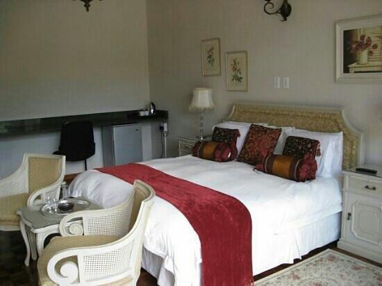 Elizabeth's Manor Guesthouse : Royal Room