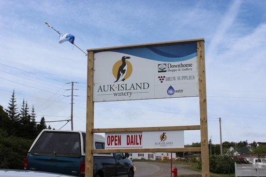 Auk Island Winery: Outside Sign