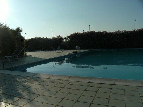 Villaggio Stella Marina : piscina da curare un pò di più