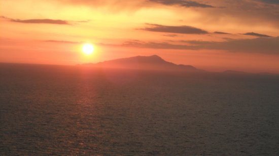 Hotel Klein Wien: Sunset over Capri