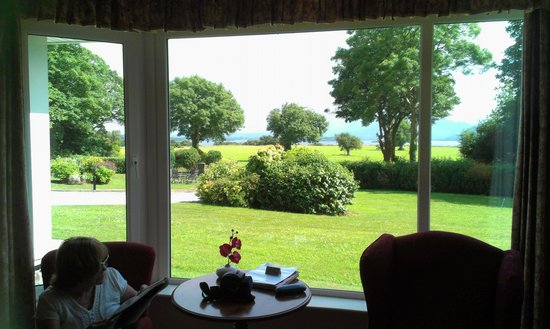 Loch Lein Country House: This is the veiw from our window