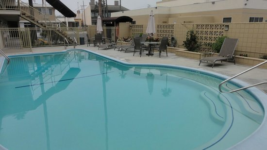 Super 8 Los Angeles-Culver City Area: Piscina - fechada no inverno