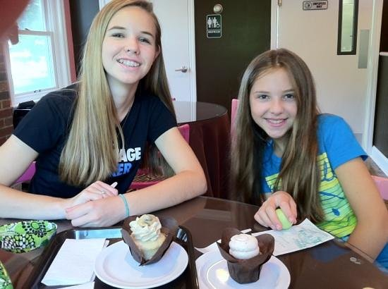 Gettysburg Cupcake Cafe': delicious find! we loved it!