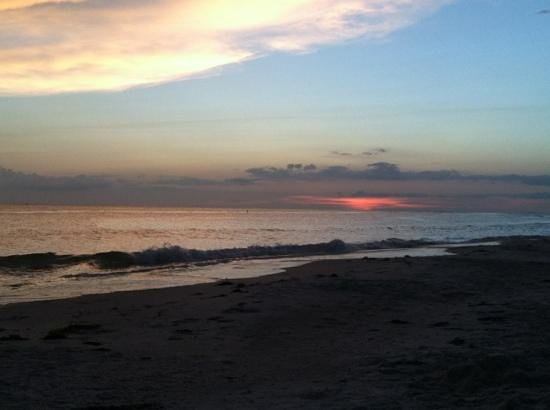 Lido Islander: beach