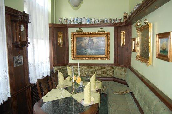 Pod Lososiem Restaurant: kameralna mała sala
