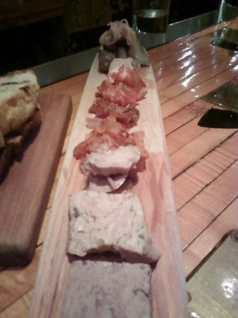 Pate plate picture of la salle a manger montreal for Salle a manger montreal restaurant