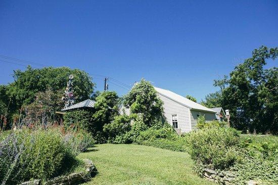 Baines House Inn & Gallery: baines house landscape view
