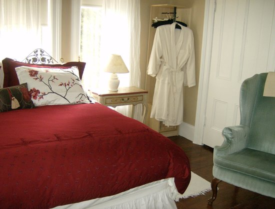 Devonshire Guest House & Spa: King Room w/Ensuite Bath