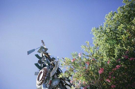 Baines House Inn & Gallery: lovely details under a big, bright texas sky!