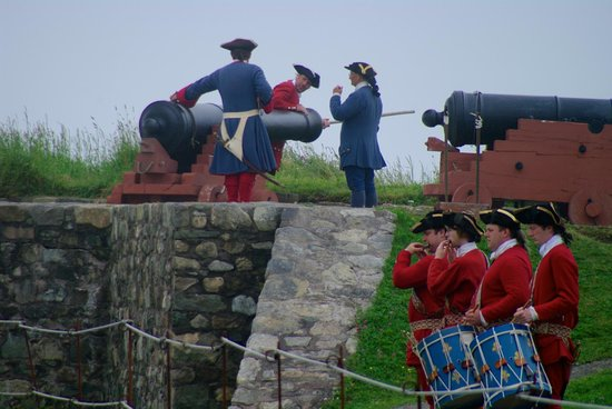 https://media-cdn.tripadvisor.com/media/photo-s/04/49/06/57/fortress-of-louisbourg.jpg