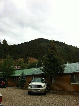 Golden Eagle Lodge: Room - Cabin door