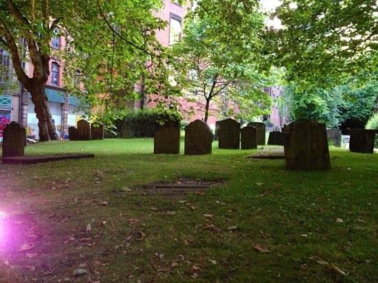 St. Andrew's Church: Yard
