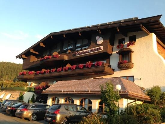 Cordial Familien & Sporthotel Going: cordial hotel am wilden kaiser