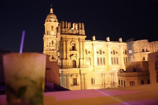 Hotel Molina Lario: Vue de nuit