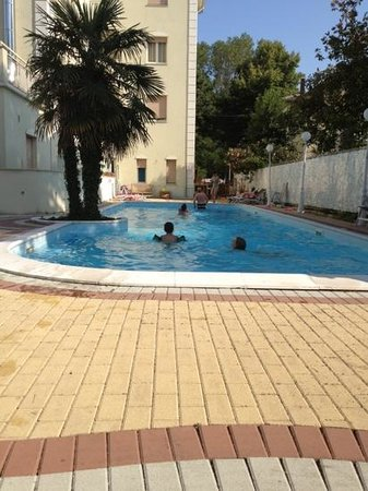 Hotel San Carlo: piscina