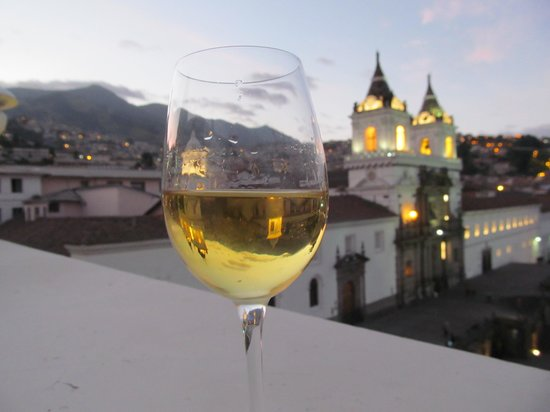 Casa Gangotena: Chardonney and roof terrace!