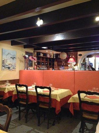 La Marmite: salle du restaurant