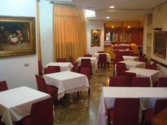 Pasarela Hotel: Restaurante.